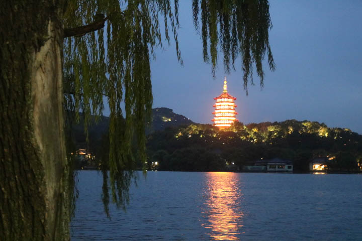 Lac de l'ouest Hangzhou by night