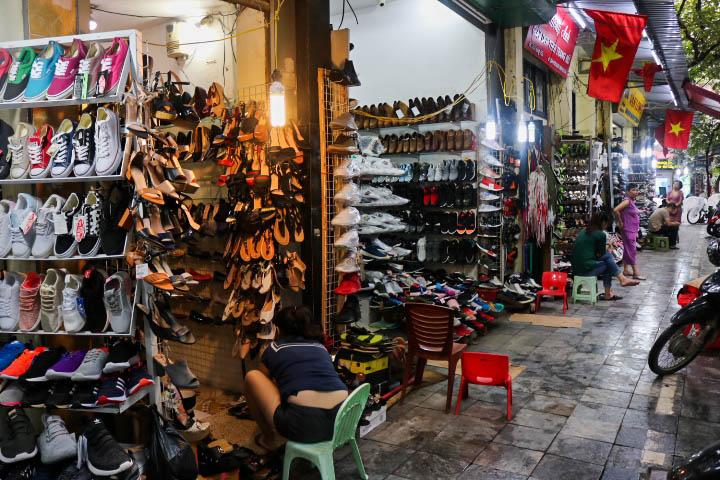 Rue chaussures Hanoi